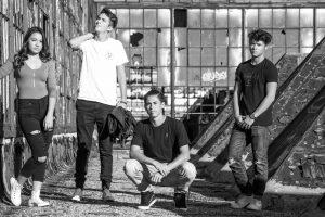 Portada-Adolescentes-Foto Ethan Johnson-(@ezj)-Unsplash-1600x-(1)-min