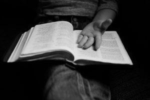 Portada-Biblia-Castigo-Pixabay-1600x-e2603858-(1)-min