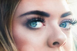 Portada-Blue Eyes-Foto Joshua Reddekopp-(@joshuaryanphoto)-Unsplash-(2)-1600x-(2)-min