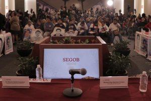 Portada-Comisión Ayotzinapa-Centro Prodh-1600x-4-min
