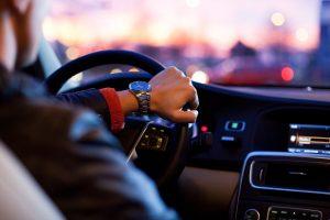 Portada-Drive my Car-Foto Unsplash-1600x-(1)-min