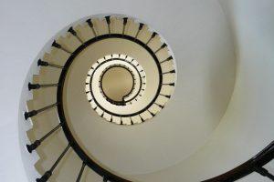 Portada-Escaleras-Foto Pixabay-1600x-s274614-(1)-min