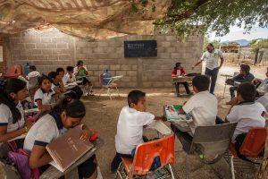 Portada-Escuelas Pobres-Foto Héctor Villarreal-1600x-(1)-min--https://hectorvillarreal.wordpress.com/--