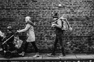 Portada-Familia Francesa-Foto Dan Burton-(@single_lens_reflex)-Unsplash-1600x-(1)-min