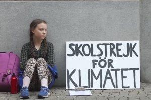 Portada-Greta Thunberg-Foto Classes Branchées-1600x-min--https://classesbranchees.csf.bc.ca/--