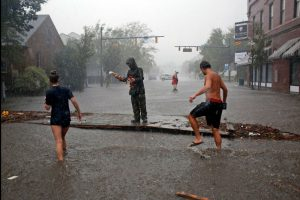 Portada-Huracán Florece-Carolina del Norte-Fotograma Youtube-1600x-0-min