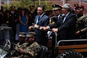 Portada-Jimmy Morales-Ejército-Foto Carlos Sebastián-Nómada-1600x-(1)-min