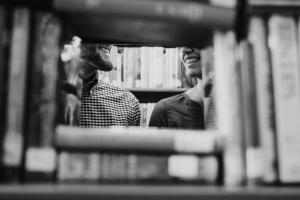 Portada-Libros-Foto Josh Felise-(@jfelise)-Unsplash-1600x-(1)-min