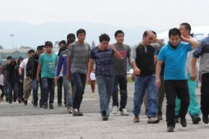 Portada-MIgrantes guatemaltecos-Foto Prensa Libre-1600x-(1)-min--https://www.prensalibre.com/--