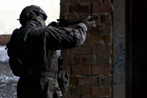 Portada-Militar-Foto: Kony Xyzx-(@konyxyzx)-Unsplash-1600x-(1)-min