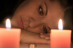 Portada-Mujer-Duelo-Pixabay-1600x-e2254765-min