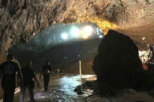 Portada-Niños-Cueva-Tailandia-El Periódico-1600x-min--https://www.elperiodico.com/es/--
