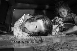 Portada-Niños-Jake Hawkes-(@jake_hawkes)-Unsplash-1600x (1)-min