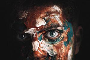 Portada-Ojos azules-Foto Pierrick Van-Troost-(@vantroostpierrick)-Unsplash-1600x-(3)-min