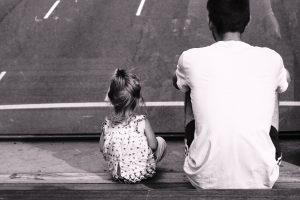 Portada-Padre e Hija-Foto Federico Enni-(@kingrawen)-Unsplash (1)-min