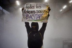 Portada-Protesta Mujres-María F Esparza-SubVersiones-1600x-1-min