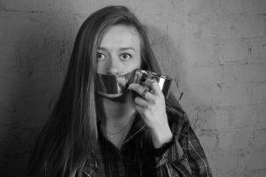 Portada-Silencio-Foto Maria Krisanova-(@mkrisanova)-Unsplash-1600x (1)-min