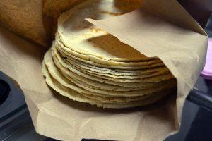 Portada-Tortillas-Foto Wikipedia-1600x-(1)-min