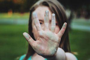 Portada-Víctimas Colaterales-Pixabay-1600x-2-min