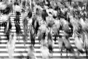 Portada-multitud-Pixabay-1600x-s400811-(1)-min