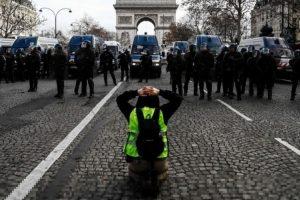 Protestas en Francia-LT9-1600x-min--http://www.lt9.com.ar/--