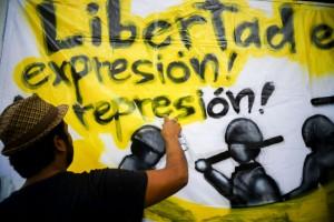 Manifestación en 2013 en la Ciudad de México por la libertad de expresión. | Foto: Pedro Anza / Cuartoscuro.