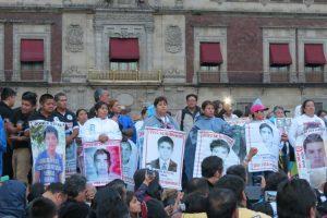 Portada-4 años-Ayotzinapa-Agustín Galo-SM99-1600x-IMG_2580-min