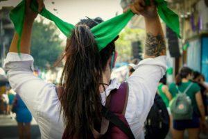 Portada-Aborto y Migraación-Argentina-Foto Ximena Hernández-Pressenza-1600x-(1)-(1)