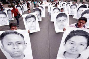 Portada-Ayotzinapa-43-Foto Border Hub-1600x-(7)-(7) (2)--https://www.borderhub.org/--