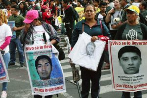 Portada-Ayotzinapa-Foto Benjamín Fernández-CINU-ONU-1600x-(7)-(7)