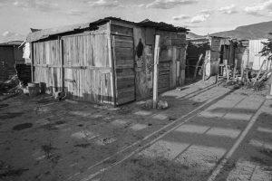 Portada-Barrio cerca de una Maquiladora-Foto David Bacon-1600x-1-(1)-(1)