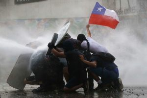 Portada-Chile Protestas-Foto Radio Universidad de Chile-1600x-(1)-(1)--https://radio.uchile.cl/--
