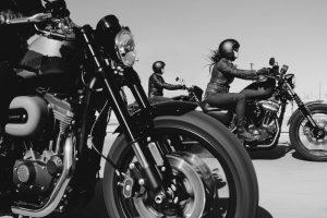 Portada-Mujer moticiclista-Foto Harley-Davidson-(@harleydavidson)-1600x-(5)-(5)--https://unsplash.com/@harleydavidson--