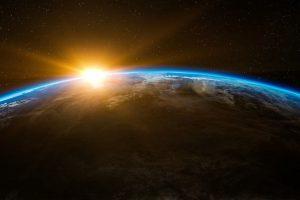 Portada-Planeta Tierra-Amanecer-Foto Arek Socha-Pixabay-1600x-(1)-(1)