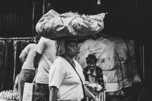 Portada-Pobreza-Foto Chitto Cancio-(@chitz201)-Unsplash-1600x-(1)-(1)
