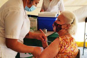 Portada-Vacuna-Covid-CDMx-Foto Marc y Gwenn-Aelle-1600x-(1)-(1)